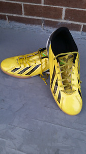 Soccer shoes(size 11)