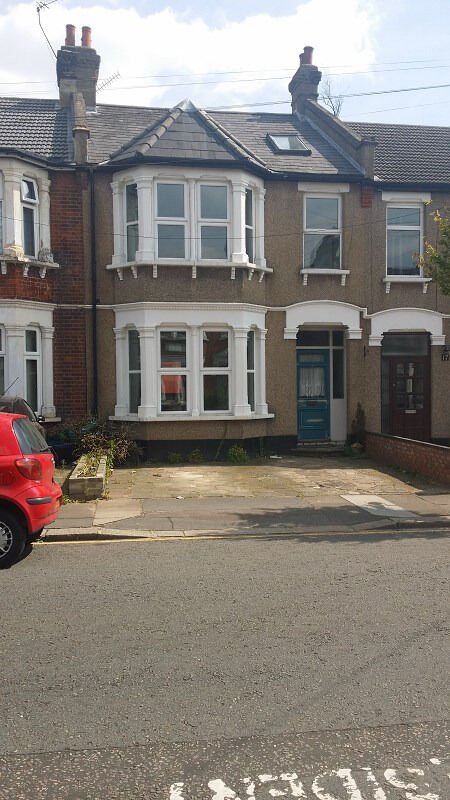 4 BED HOUSE: STAINFORTH RD NEWBURY PARK IG2 7EH (NO DSS TENANT CALLING)