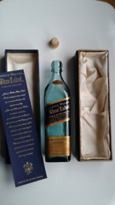 Rare Johnnie Walker Blue Label  empty bottle(200ml) in silk case