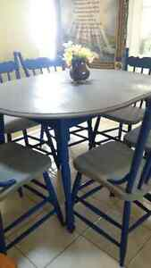 Beautifil solid wood table with 6 or 4 chair