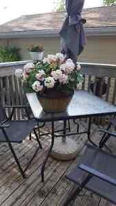 Flower arrangement with pot London Ontario image 2