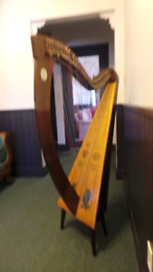 34 string Lyon and Healy Celtic Folk harp