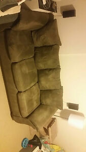 Sofa and loveseat in excellent condition London Ontario image 3