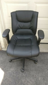 Black Adjustable Desk Chair, Great Condition