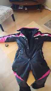 Girls snow suit. Size 10to12.