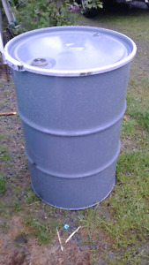 45 gallon drum/barrel with removable lid