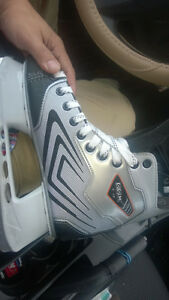 CCM Custom 1-0 Hockey Skates (size 8)  New