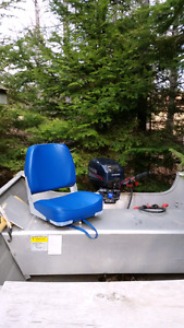 tracker guide V14 w/ 15hp evinrude on trailer