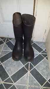Mens size 11 rubber boots