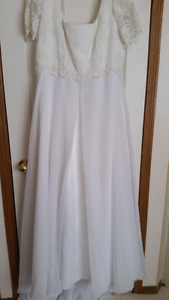 Plus size (20) short sleeve NEW long Wedding dress