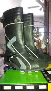 BRAND NEW Leather Size 12 Toddler Girls Fall boots London Ontario image 1