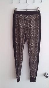 Lace leggings