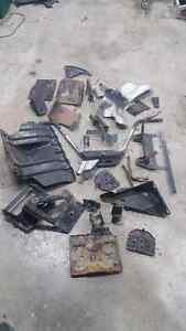 Various parts off a 2003 to 2006 chev avalanche Kingston Kingston Area image 7