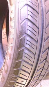 4 excellents pneus d'été 15 pouces impeccable yaris fit