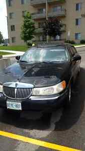1998 Lincoln Town Car Signature Edition
