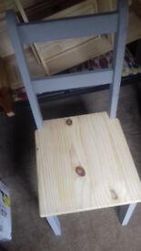 chairs pine