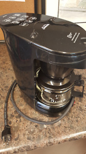 4-Cup coffee makers including Carafes