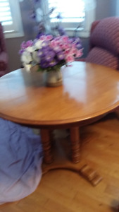 Roxton table,6 chairs, 6 cushions and china cabinet for sale---