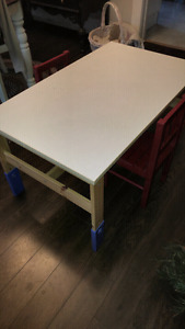 IKEA Kids Adjustable table and two chairs - GREAT Shape 39 x 24
