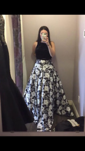 Selling my prom dress from June!