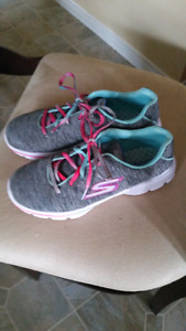 Sketchers Runners, size 3