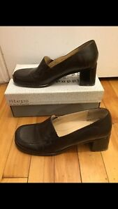 Steps By Hush Puppies Heels Brown Women's Size 9.5