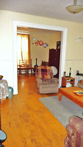 Small room,big house,central,5 appliances,web,heat & hydro incl Peterborough Peterborough Area image 5