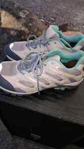 Women's wind river hiking shoes  Peterborough Peterborough Area image 2