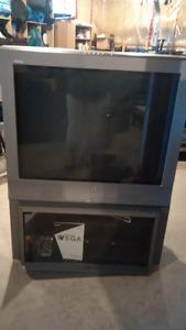 """36"""" Sony WEGA Trinitron KV-36fs13 and swivel stand"""