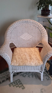 WICKER CHAIRwith MATCHING TABLE