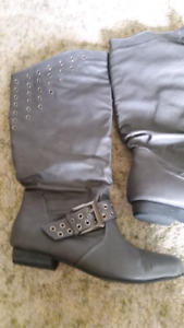 Size 8 grey faux leather boots