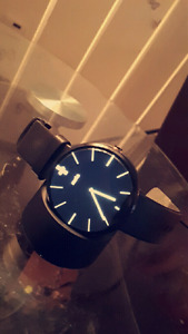 Selling my Brand New Moto 360 2nd Gen Android Gear Watch