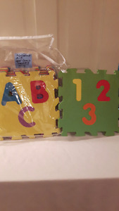Alphabet Letters 3 on a mat/ Numbers 3 on a mat