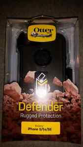 iPhone 5/5s/SE otter box BRAND NEW