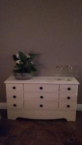 dresser/change table