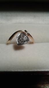 Bague coeur or 10K avec diamants, grandeur 6