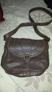 med brown purse