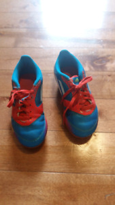 Souliers adidas soccer enfant taille 11 us