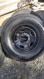 LT275/70R18 TIRE AND WHEEL OFF F250 SUPER DUTY