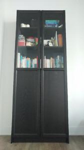 Bibliothèque Ikea BILLY avec portes vitrées