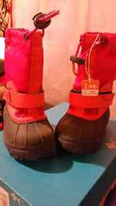 Colombia snow boots size 8