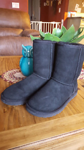 black authentic uggs