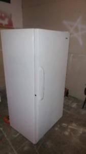 Gros cooler vertical 20 p.c avec clé