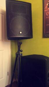 black big speakers