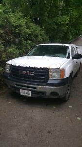 *REDUCED* 2010 GMC Sierra 1500 Pickup Truck