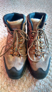 Size 11 steel toe work boots