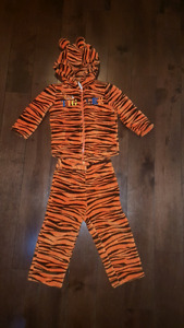 Tiger warm outfit