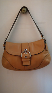 Coach Soho Hampton buckle flap camel/tan leather bag