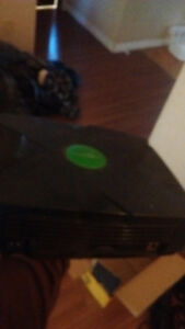 Kinect(360), Xbox, controller (original), and gamesincluded.
