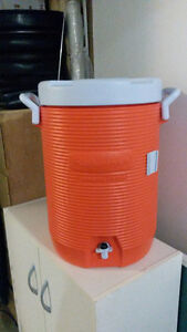 Large Rubbermaid drink cooler